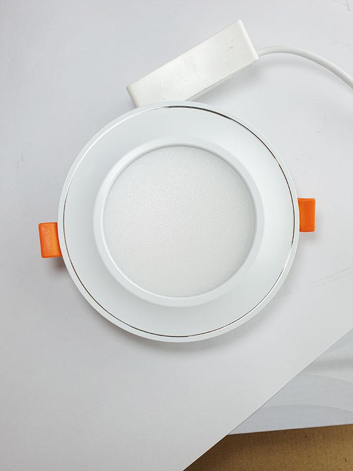 Đèn led Downlight âm trần màu trắng viền cong 12W